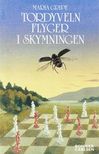 Tordyveln flyger i skymningen (e-bok) av Maria
