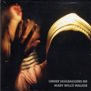 Under skalbaggens bo (ljudbok) av Mary Willis W