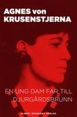 En ung dam far till Djurgårdsbrunn