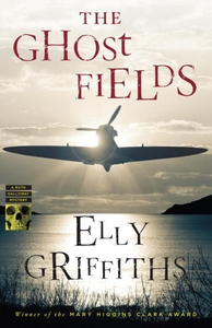 The Ghost Fields (e-bok) av Elly Griffiths