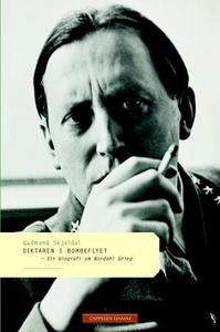 Diktaren i bombeflyet (ebok) av Gudmund Skjel
