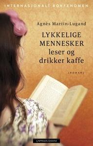 Lykkelige mennesker leser og drikker kaffe (e