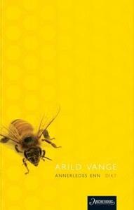 Annerledes enn (ebok) av Arild Vange