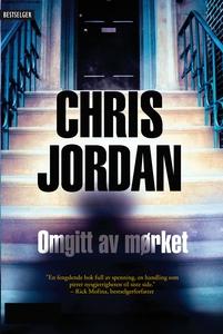 Omgitt av mørket (ebok) av Chris Jordan